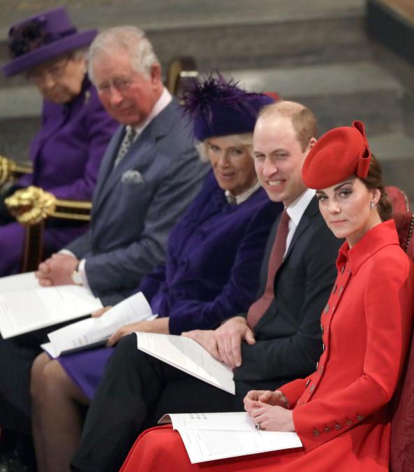 Probleme in  PARADIS?! Kate Middleton e extrem de geloasă! EA ESTE FEMEIA care are isă mai apară la petrecerile regale