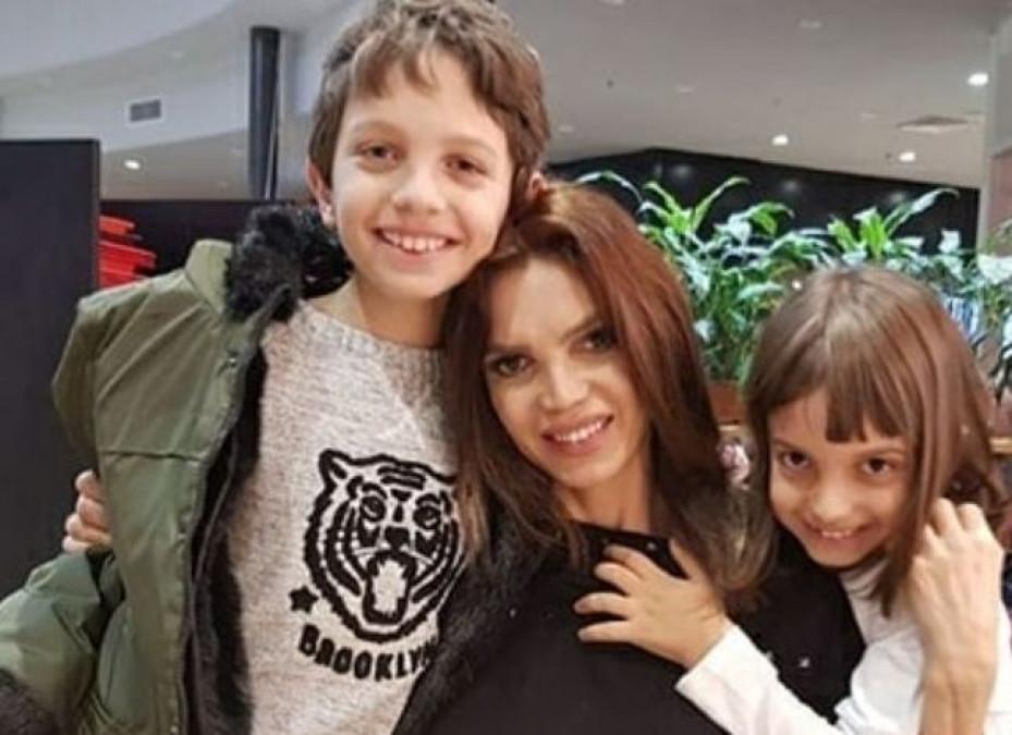 Cristina Spătar, încă o lovitură de la fostul soț! Artista este în lacrimi. E legat de copiii lor