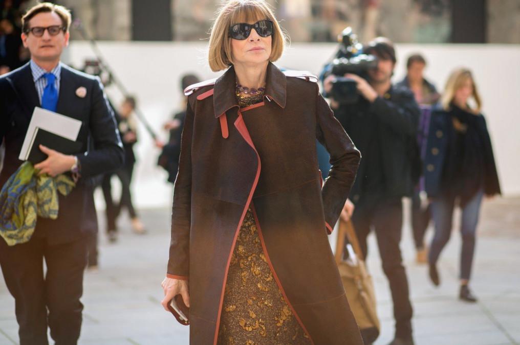 Ea este femeia care se ascunde în saptele personajului principal din filmul «Diavolul se imbraca de la Prada». Povestea celei mai temute femei din lumea modei