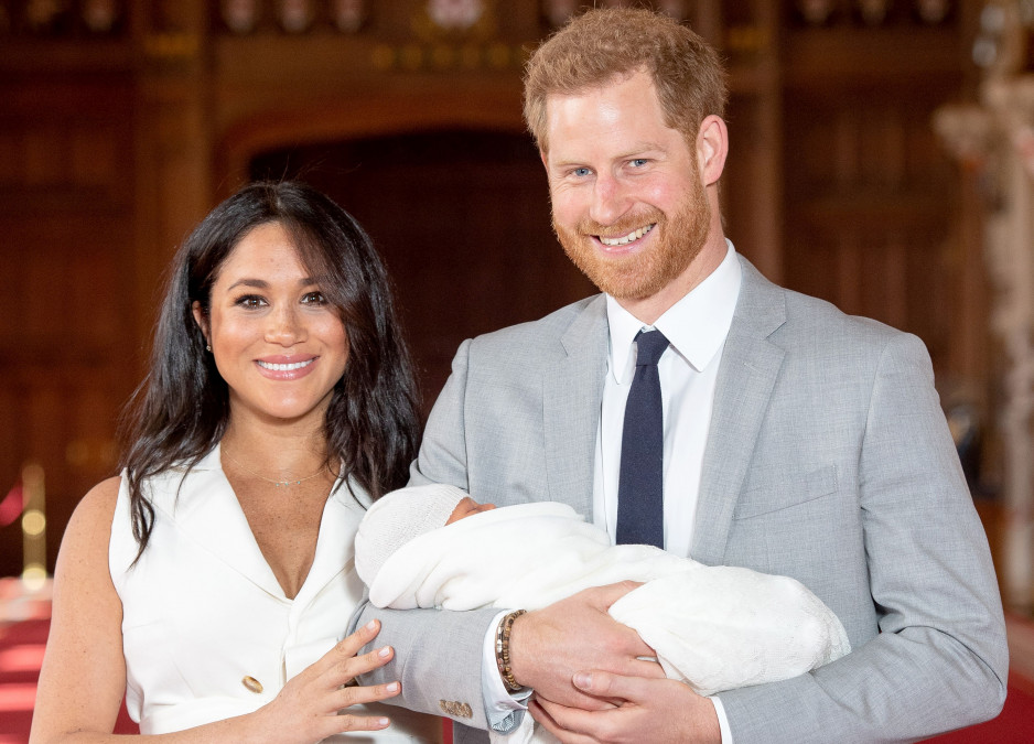 O NOUĂ imagine cu chipul fiului lui Meghan Markle și al Prințului Harry! Cu cine seamănă micuțul?