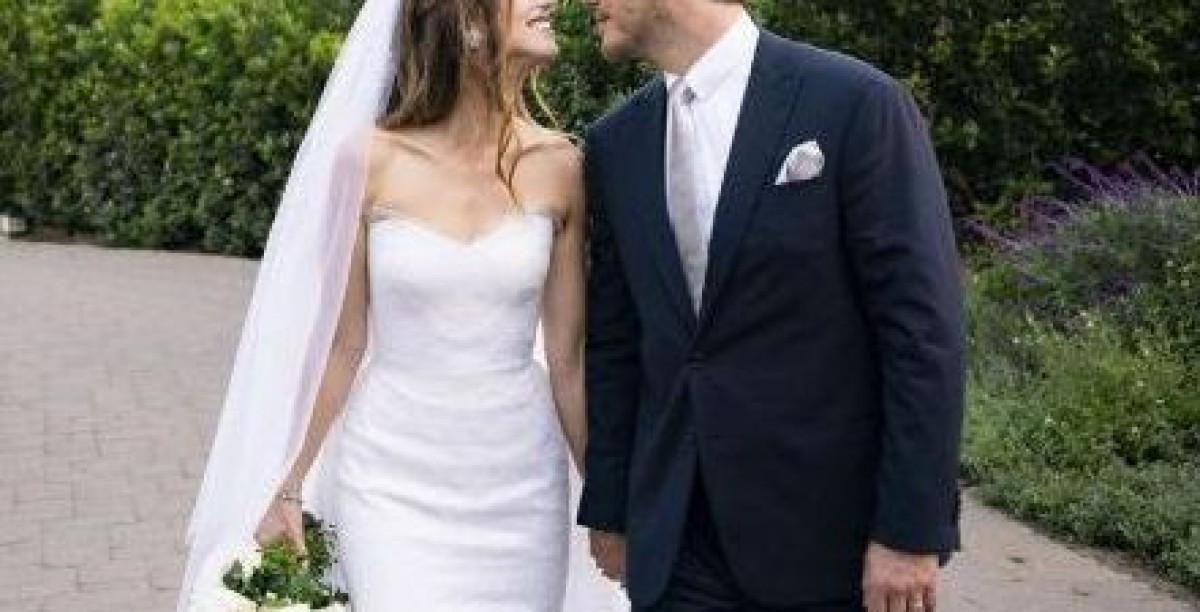 S-au casatorit in mare secret acum o luna, in cadrul unei ceremonii intime! Locul inedit in care si-au petrecut luna de miere. De ce s-au ascuns