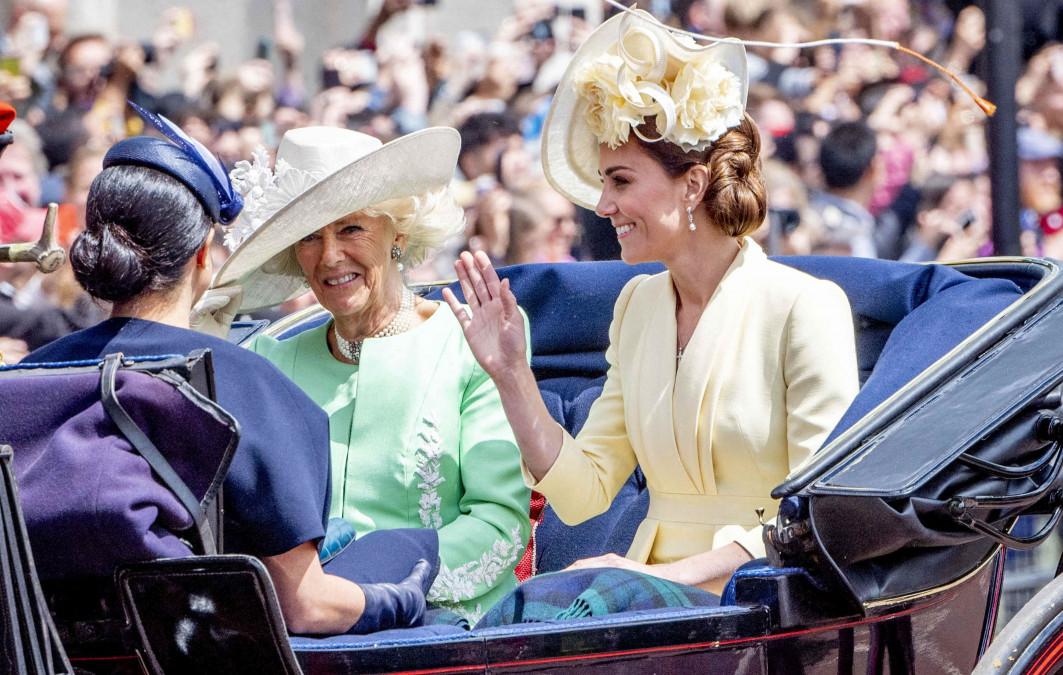Kate Middleton si Meghan Markle, din nou in razboi? Motivul pentru care cele doua s-au evitat la un eveniment. Ducesa de Sussex a aparut pentru prima data in public de cand a nascut, iar Ducesa de Cambridge a facut asta!