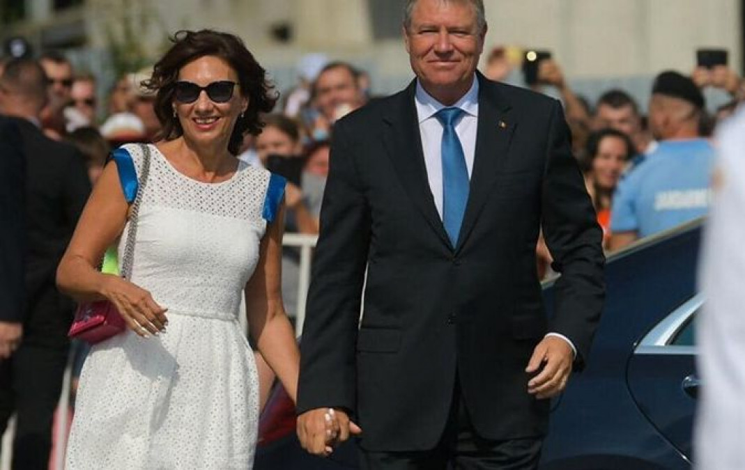 Carmen Iohannis, in centrul atentiei la Ziua Marinei! A purtat cea mai sexy rochie. Asa n-ai mai vazut-o pana acum